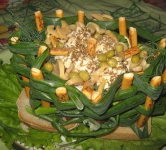 Рецепт Праздничная корзина с салатом
