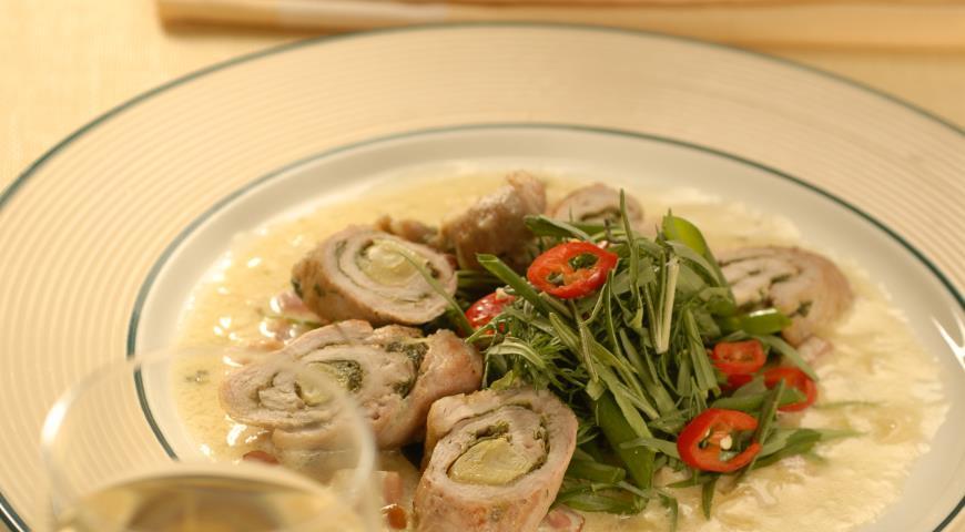 Рецепт Рулетики из свинины по-итальянски