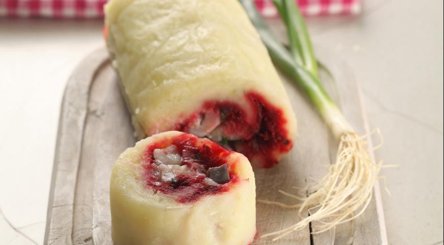 Рецепт Картофельный рулет с сельдью