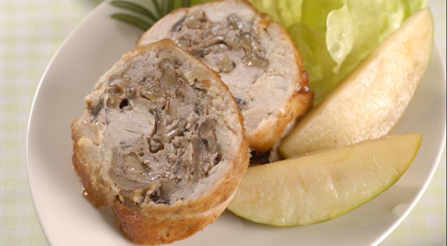 Рецепт Рулет из индейки с яблоками