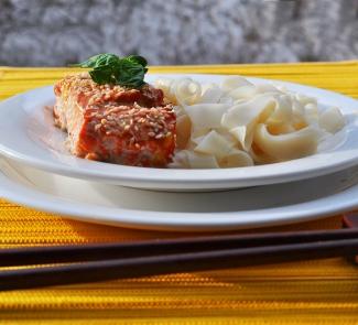Рецепт Маринованный лосось, запеченный в кунжуте