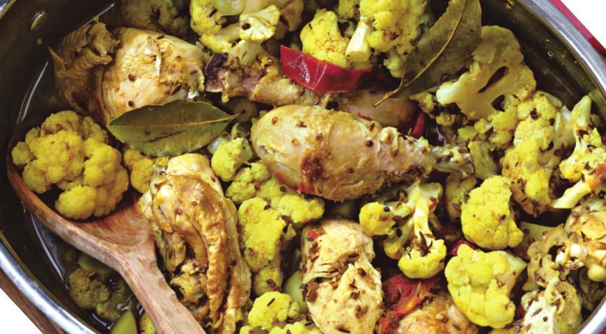 Рецепт Курица по-бенгальски с картофелем и цветной капустой