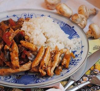 Рецепт Стир-фрай из курицы с грибами и сладким перцем