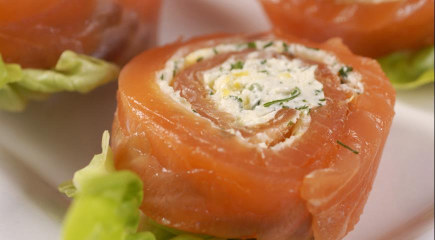 Рецепт Норвежские рулетики из лосося