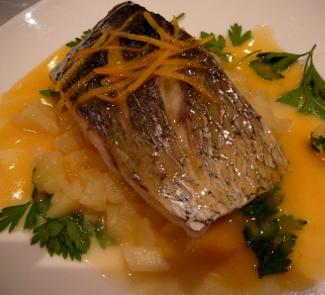Рецепт Рыба, тушеная с грушей