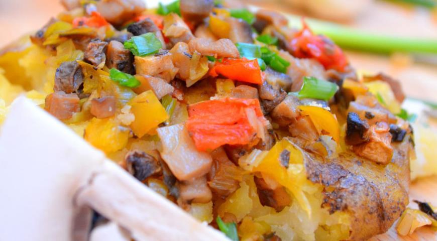 Рецепт Картофель по-деревенски с грибами и овощами