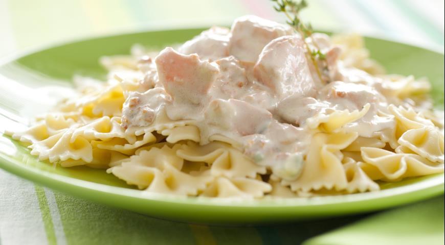 Рецепт Паста с лососево-сырным соусом