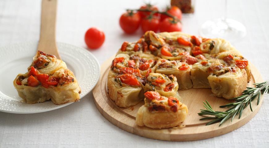 Рецепт Несладкий пирог с помидорами и петрушкой