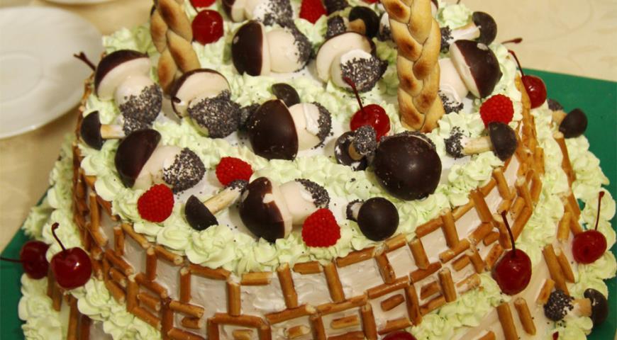 Рецепт Торт Корзинка с грибами и ягодами