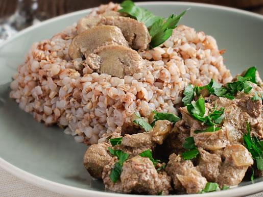 Рецепт Куриная печенка с грибами и гречкой