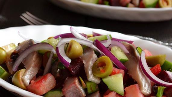 Винегрет с красной фасолью и сельдью, пошаговый рецепт с фото