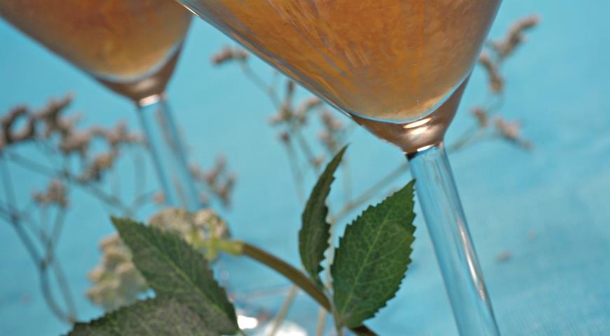 Рецепт Персиковое пюре с заварным кремом