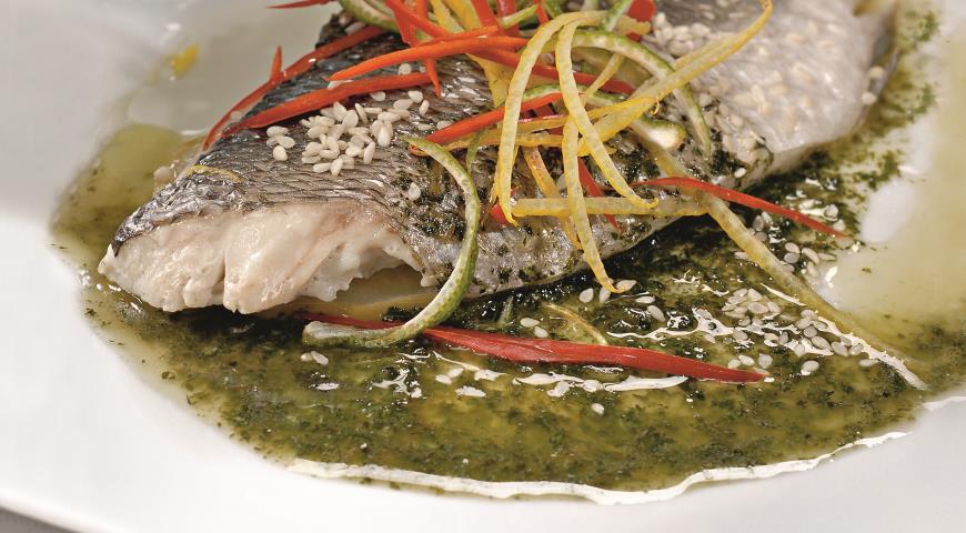 Рецепт Морской окунь с мятным соусом