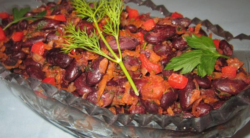 Рецепт Овощной салат с красной фасолью