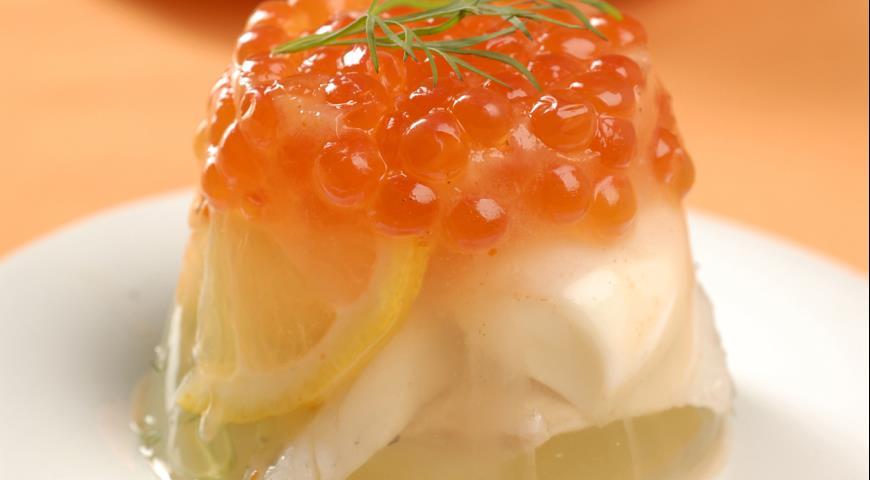 Рецепт Заливное из сибаса c красной икрой