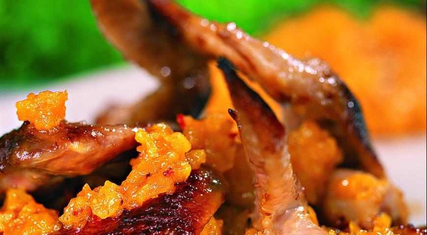 Рецепт Куриные крылышки с абрикосовым чатни