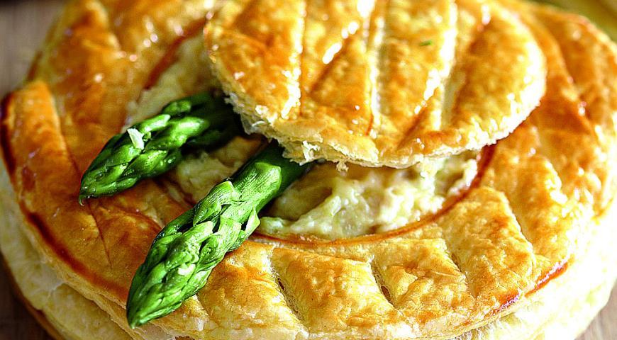 Рецепт Слоеные тарталетки с курицей и спаржей