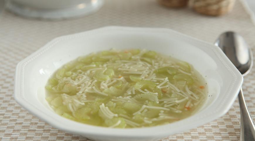 Рецепт Куриный суп с сельдереем и лимоном
