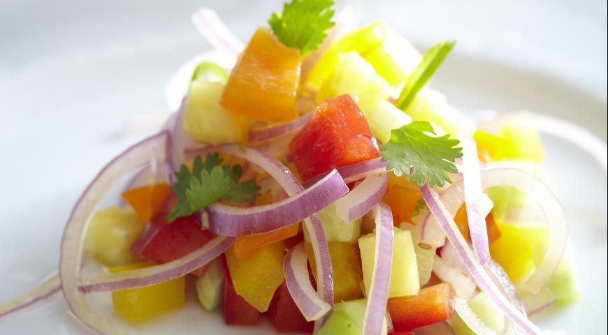 Рецепт Салат из сладкого перца, огурца и ананаса