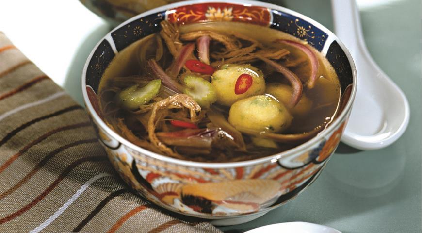 Рецепт Суп из индейки и говядины с кукурузными клецками