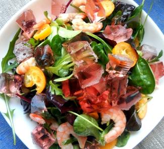 Рецепт Салат с креветками, кумкватами и желе из розового игристого вина