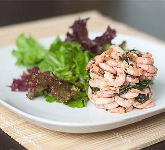 Рецепт Маринованные креветки с цукини и зеленым салатом