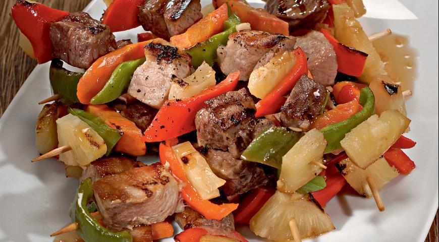 Рецепт Свинина с ананасами и морковью