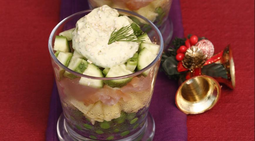 Рецепт Салат из курицы, картофеля и горошка