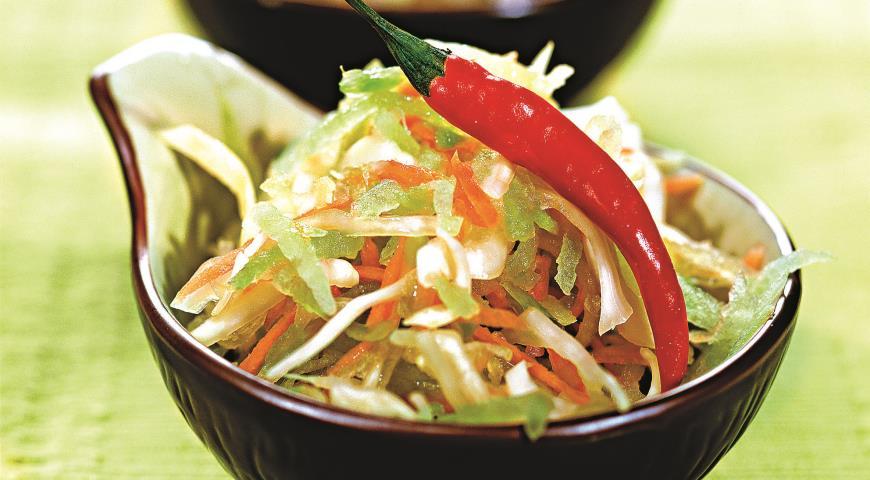 Рецепт Салат из редьки с капустой и морковью