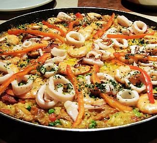 Как готовить паэлью с морепродуктами