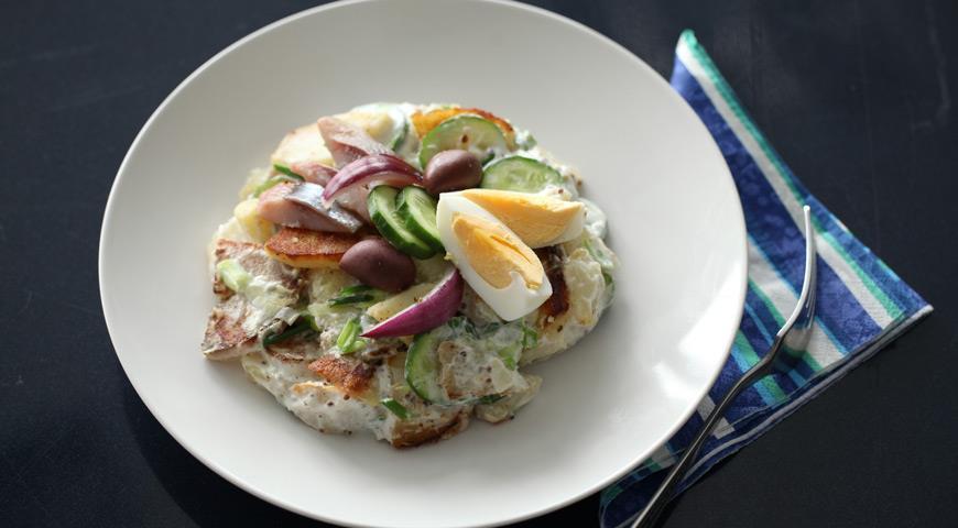 Рецепт Теплый картофельный салат с сельдью