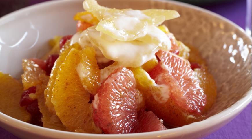 Рецепт Салат из цитрусовых с йогуртом и засахаренным имбирем