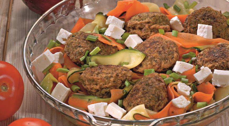 Рецепт Оладьи из зеленого горошка с овощами и фетой