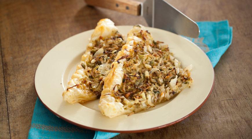 Рецепт Пирог из молодой капусты