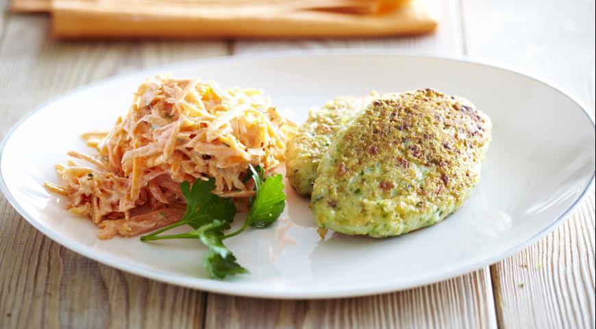 Рецепт Котлеты из рыбы с морковным салатом