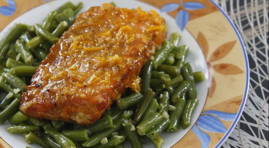 Рецепт Семга с зеленой фасолью и апельсиновым соусом