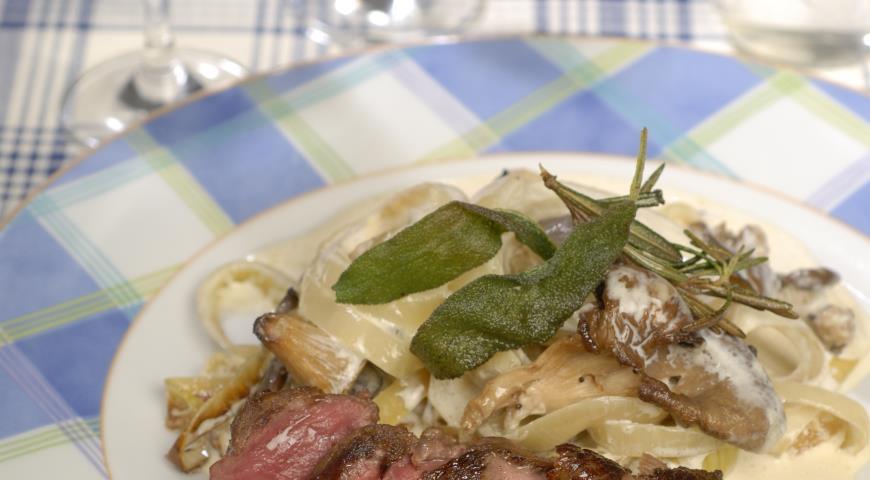 Рецепт Маринованная в пиве говядина с вешенками