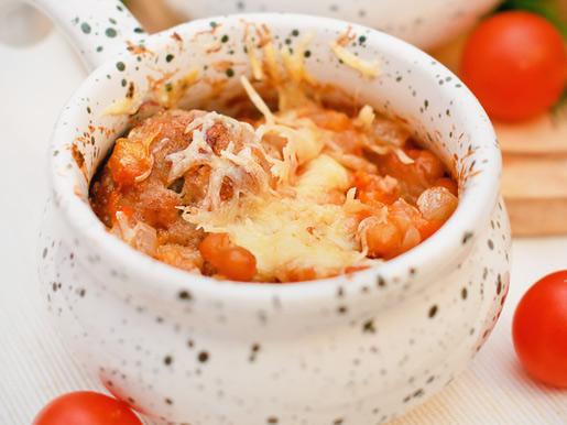 Рецепт Тефтели с фасолью, запеченные в горшочках