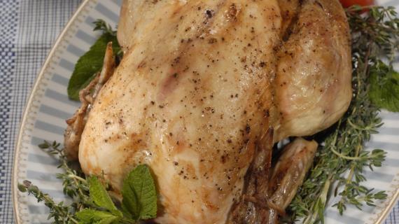 Курица с фаршированными рулетами – кулинарный рецепт