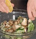 Зеленый салат с вешенками, пошаговый рецепт с фото