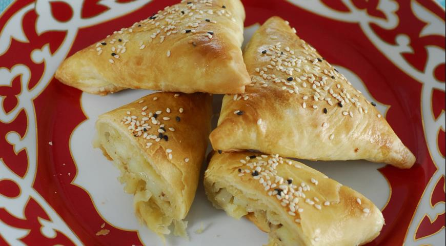 Рецепт Картошкали сомса из слоеного теста