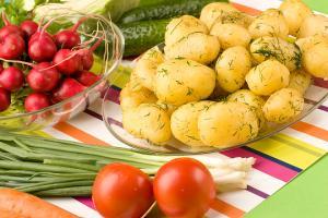 Как приготовить в кожуре молодой картофель