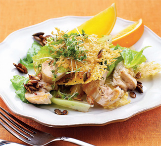 Рецепт Куриный салат с апельсинами, тыквенными семечками и кресс-салатом