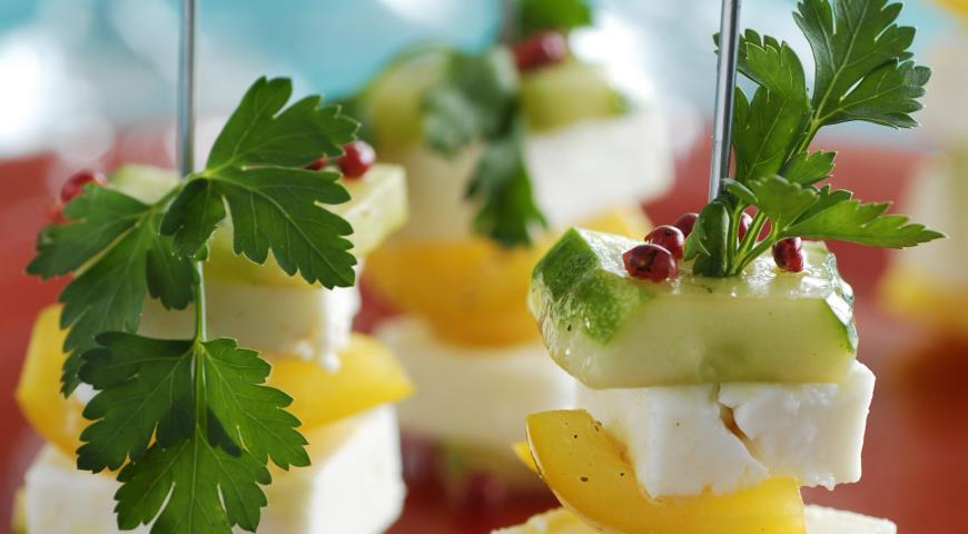 Рецепт Башенки из огурцов и сладких перцев