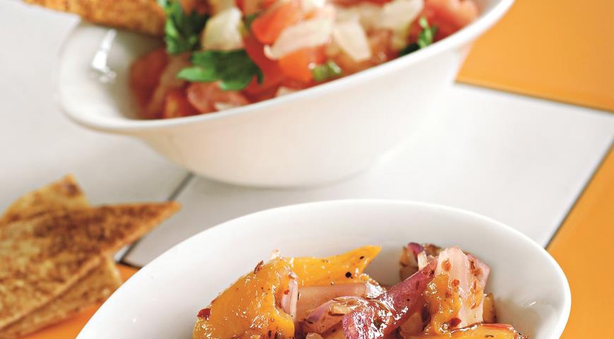 Рецепт Дипы для чипсов: персиковая сальса и пико де гальо