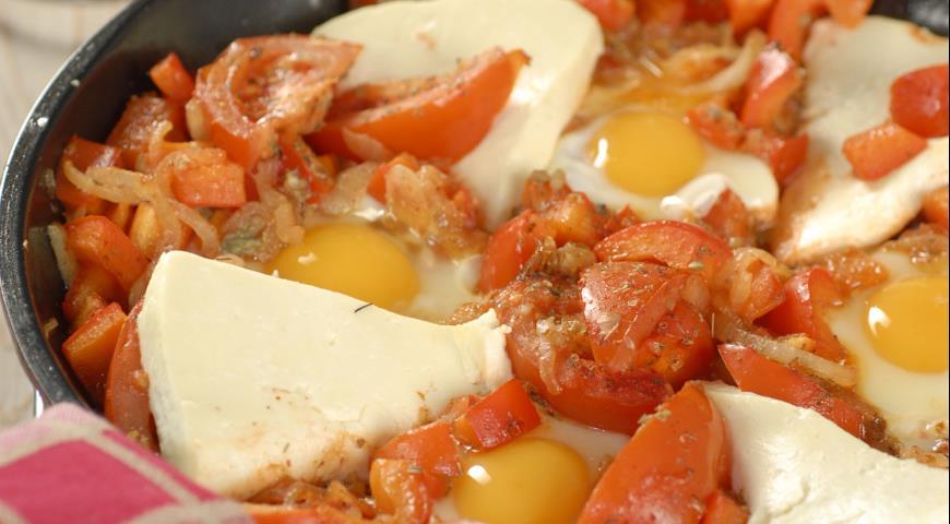 Рецепт Шакшука со сладким перцем и брынзой