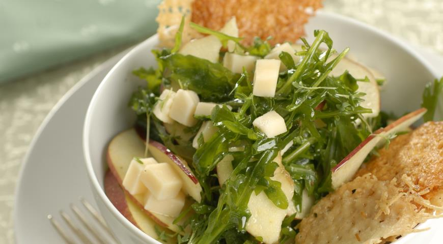 Рецепт Салат с вафлями из пармезана