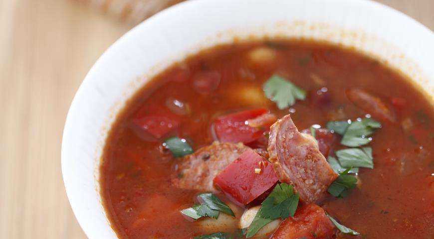 Рецепт Густой суп с фасолью и чоризо