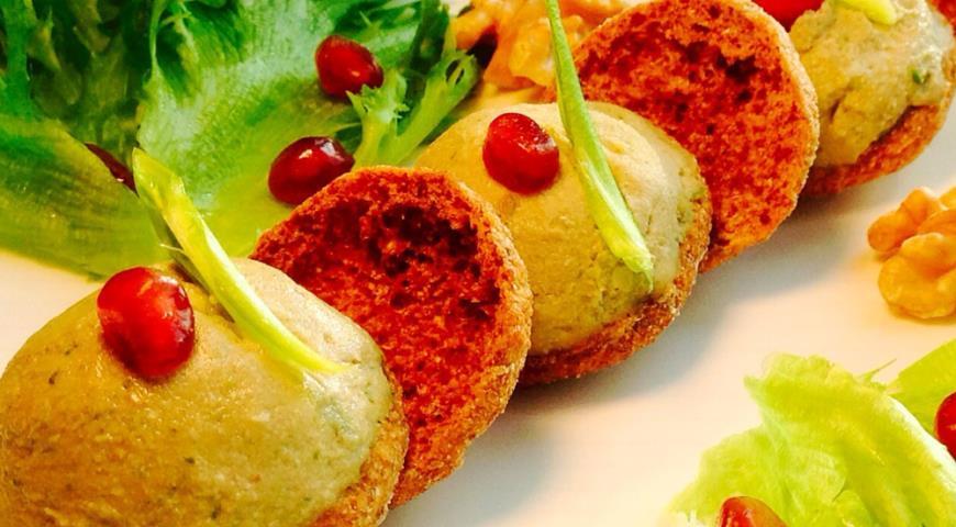 Рецепт Закуска из фасоли с грецкими орехами и черемшой