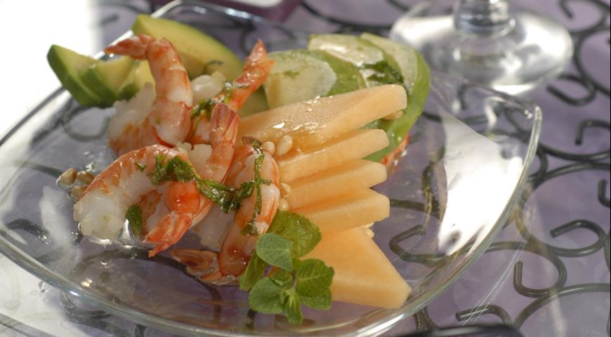 Рецепт Салат из дыни, авокадо и креветок